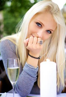 effortless conversation girl